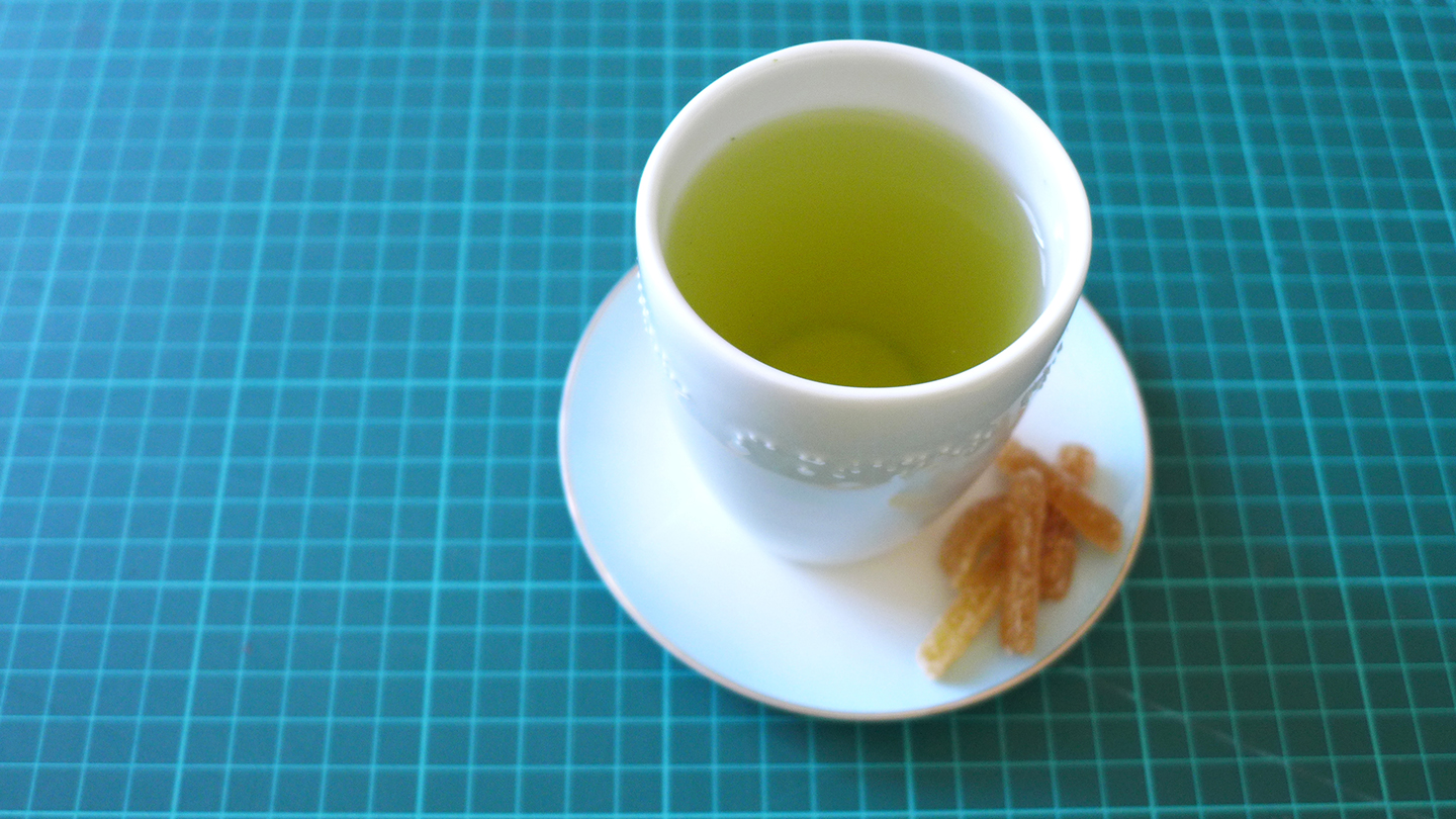 Green tea with sugared ginger. A good way to relax and get energised at the same time.